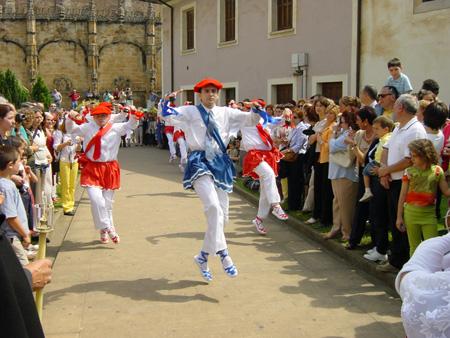 Momento de la procesión del Día del Corpus en Oñati