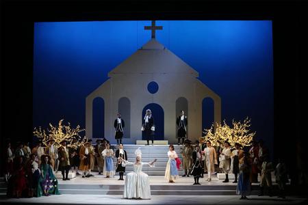 """Momento de la ópera """"Cenicienta"""" (foto: Ennevi)"""